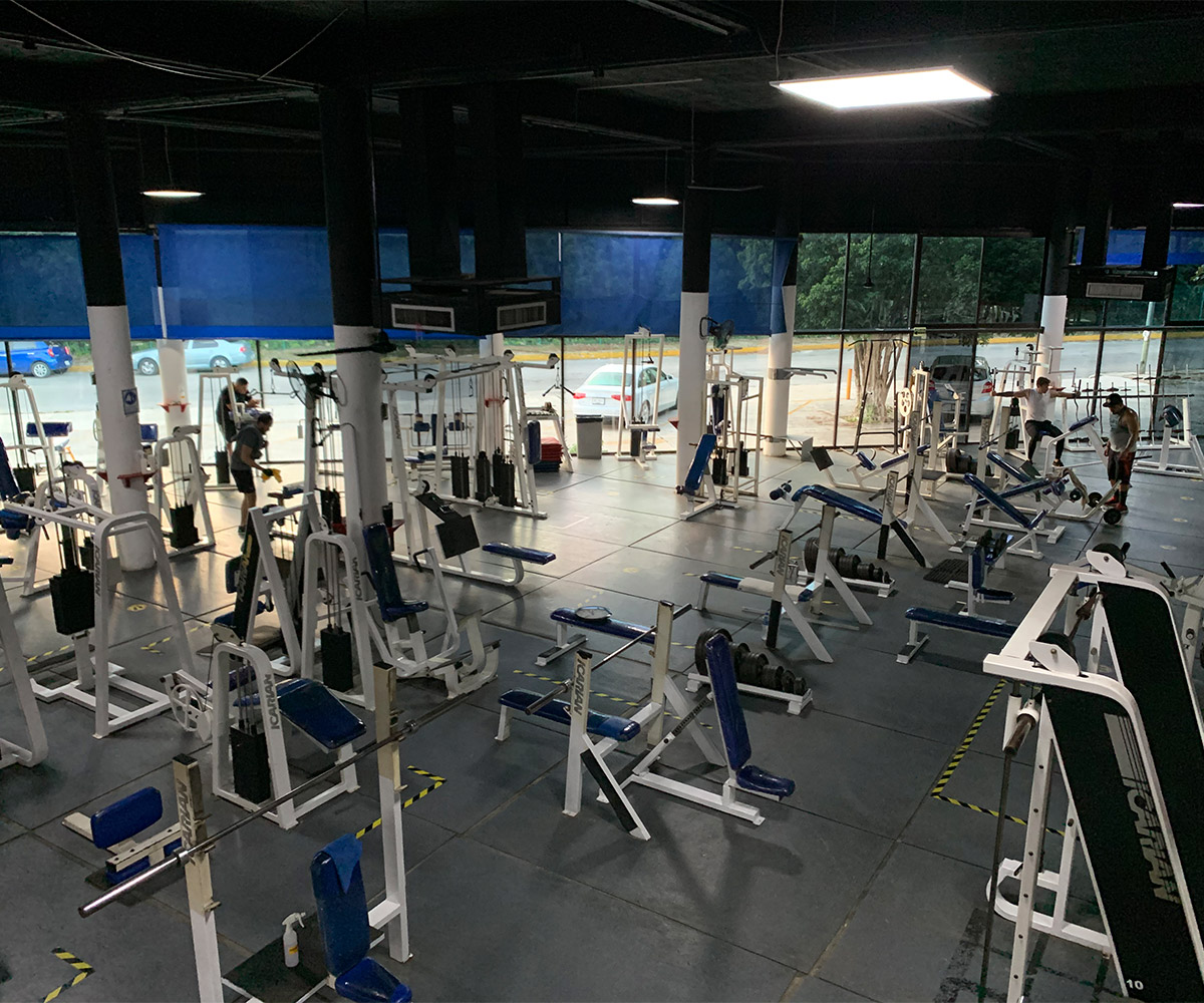 Instalaciones goldens gym cancun 7
